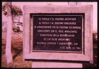 Argentine memorial thanking the Government of Honduras for its support during the Falklands War